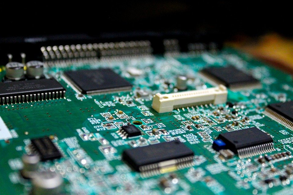 IC Insights predicts that the IC market driving force will increase to 24%, and analog chip prices will rise for the first time in 17 years